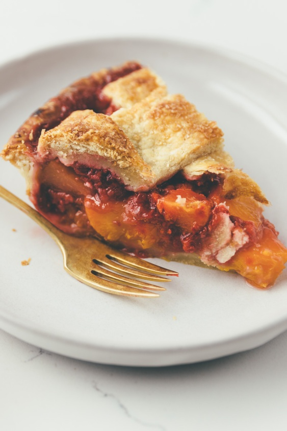 peach-raspberry+pie+on+millys-kitchen.com.jpeg