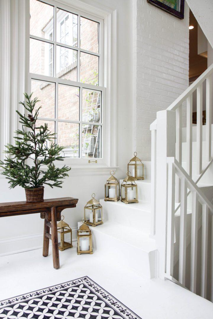 1-Lanterns-on-staircase