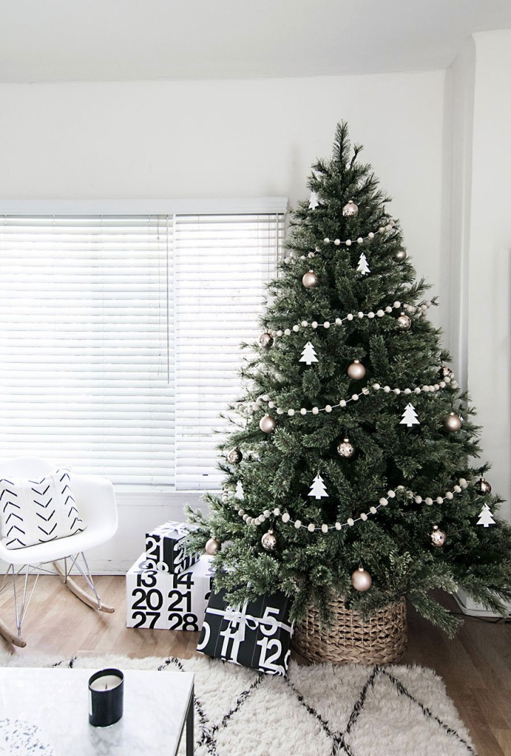 5-Monochrome-christmas-decor