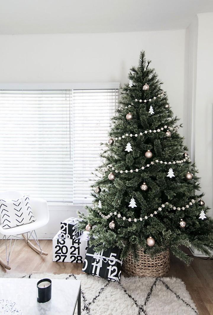 5-Monochrome-christmas-decor