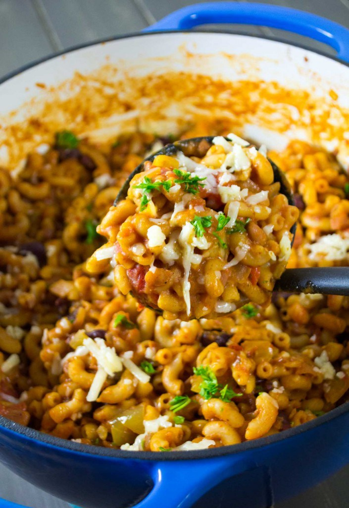 18-vegetarian-one-pot-pasta-recipes-for-busy-weeknights-one-pot-vegetarian-chili-mac.jpg
