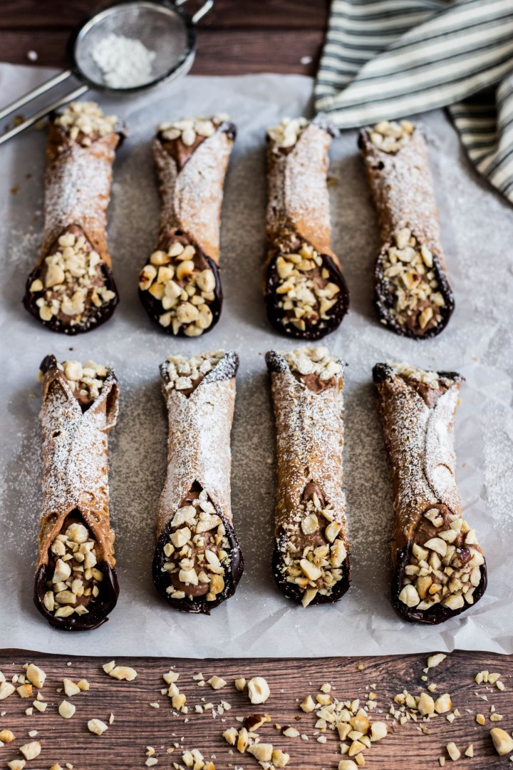 chocolate-hazelnut-cannoli-retouch-5.jpg